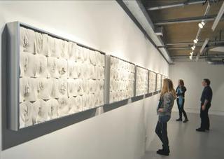 女性器アート展示風景