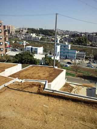 片平1丁目の住宅造成地と小田急小田原線