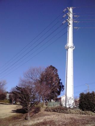王禅寺の白い鉄塔
