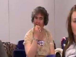 YouTubeで話題の天使の歌声をもつイギリスのおばさん、スーザン・ボイルさん