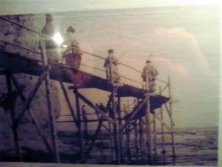 江の島岩屋への橋(明治期)