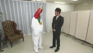 ひこにゃんのコスプレをする田原総一郎