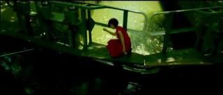 サン・マルタン運河で水切りをするアメリ