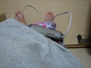 ホルター心電図本体を腰から下げたところ